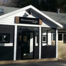 Vestibule at Mountainside Café Canaan CT